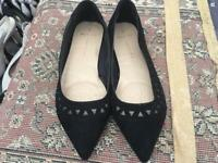 Dorothy Perkins UK 7 Wide Fit Black Faux Suede Flat Pumps Used £5