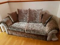 NEW CHAMPAGNE CRUSHED VELVET SUITE CAN DELIVER FREE