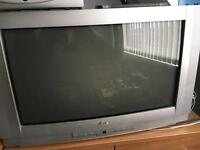 "24""LG TV"