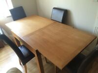 QUALITY OAK DINING TABLE AND 4 CHAIRS