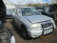 Suzuki Grand Vitara 2001 1.6 Petrol breaking for spares Wheel Nut.