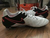 Size 6 Nike Tiempo Legacy II Firm Ground Football Boots. Brand new.