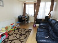 Spacious 2 bedroom flat in Stepney Green dss with guarantor accepted
