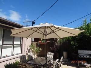 Umbrella with base Bentleigh East Glen Eira Area Preview