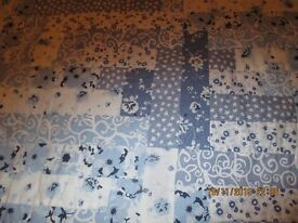Bed Mat Blue& White