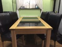 Dining Table (+ 6 chairs)