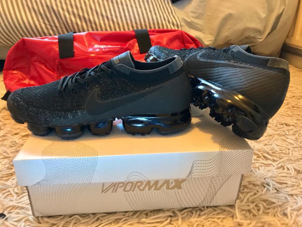 finest selection b0212 813a2 Nike Air Vapormax Flyknit Triple Black Trainers Mens UK 10 BNIB 849558-007