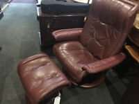 Superb Ekornes Stressless Reclining Swivel Chair & Footstool Leather Burgundy – Excellent Condition
