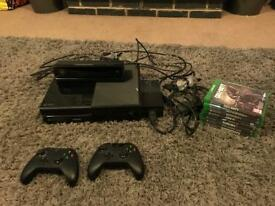 Xbox one with Kinect, 2 controllers and games