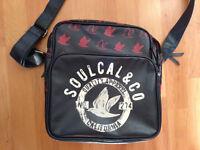 Republic SoCal & Co Record Bag / Shoulder Bag Fashionable / Stunning Design
