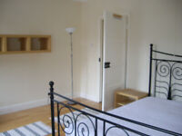 Very large double bedroom, fully furnished,shared house, nr. City Centre, all bills included