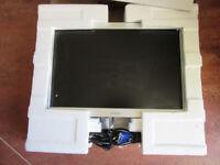 "Xerox 19"" flat panel computer monitor"