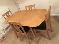 Brand New Real Oak Exendable Dining Table With 4x Chairs