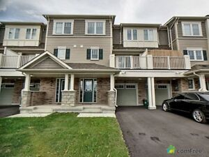 $448,000 - Townhouse for sale in Oshawa