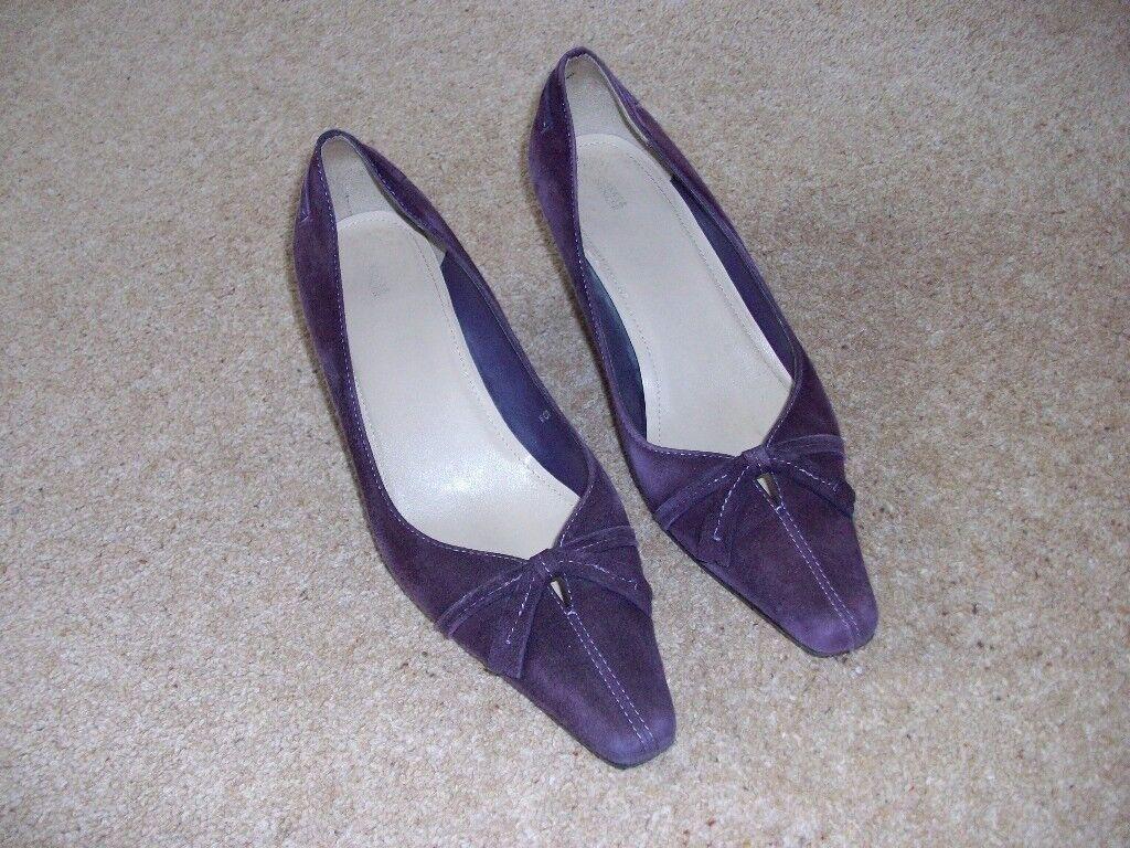 Purple suede kitten heel shoes size 5