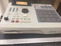 Akai MPC 2000 XL Sampler and sequencer production centre