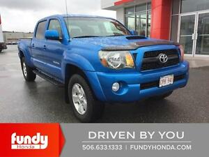 2011 Toyota Tacoma V6 CLEAN TRUCK , ONE OWNER , LOW KMS