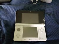 Nintendo 3DS Ice White like New plus 4 games