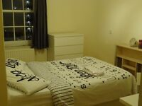 Lovely Double Room in Vauxhall Available Now