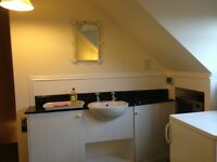 Currie. Single Room. Ensuite shower, TV, WiFi, cooking facil's. Cleaning included. Private parking.