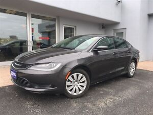 2016 Chrysler 200 LX GREAT ON FUEL!!!