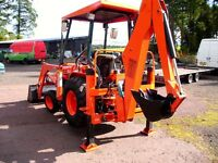 KUBOTA COMPACT TRACTOR WITH LOADER AND BACKACT0R AND EXTRA BUCKETS