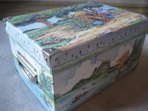 BRAND NEW Classic Winnie the Pooh Decorative Box (Medium)