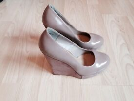 New look wedges size 6 new