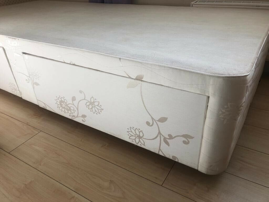 Myers Single Divan Bed Bases With Drawers In Very Good