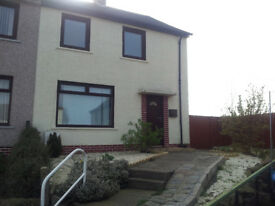 2 bedroom furnished semi detached house with large garden, GCH, garage, parking, pet friendly