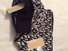 Michael kors ladies hat & scarf set one size boxed with labels.