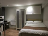 self-contained studio flat to let @ E10 7DY Leyton/Lea bridge all bills inclusive ready to move in !