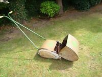 OLD VINTAGE PUSH ALONG LAWN MOWER WITH GRASS COLLECTION BOX IN WORKING ORDER ONLY £20