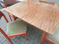 Wooden extandable table and 4 chairs can deliver or collection