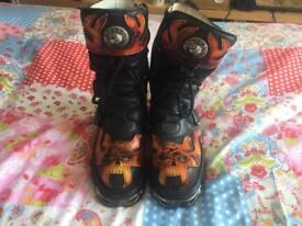New rock flame boots size 6 REDCUED PRICE