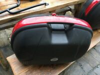 2x Givi Side boxes panniers Triumph and Frame