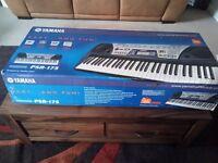 Yamaha PSR-175 Music Keyboard with Dj Voices