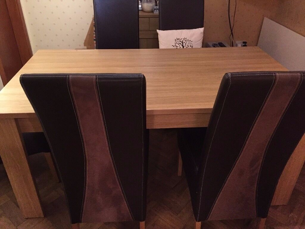 Dining room table + 6 high-back chairs
