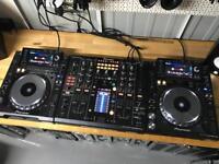 2x Pioneer CDJ 2000 Nexus Pair + DJM 2000 Nexus Mixer