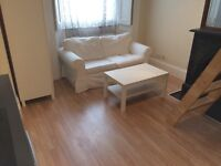 A refurbished & spacious STUDIO flat to rent in a good location near tube, shops & restaurants.