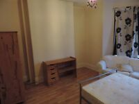 STOP HIRE!..NICE double ROOM, 300 x month all in,WiFI, cleaner and gardener included, no bond