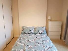 Two double bedrooms to let. Ideal for a travelling pair.