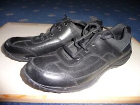 New Black shoes with shoe laces, size 8F