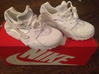 Nike Huarache Boys size 11