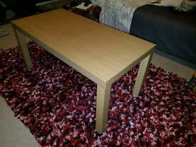 Centre table for sale.
