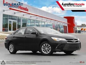 2016 Toyota Camry LE Clean Car Proof Report, Low KMS, Bluetoo...