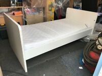 Mamas & Papas Rocco cot bed with mattress