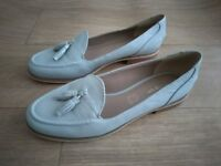 M&S Autograph Ladies Loafers size 6 Brand New with Tassles Light Grey Real Leather