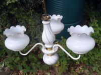 ELEGANT CERAMIC / BRASS CEILING LIGHTS CLUSTER WITH GLOBES IN EXCELLENT CONDITION