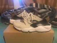Nike Huaraches's